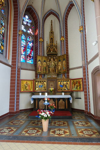 Marienkirche, innen Church Church Architecture Altar Place Of Worship Spirituality Religion Window Mosaic Architecture