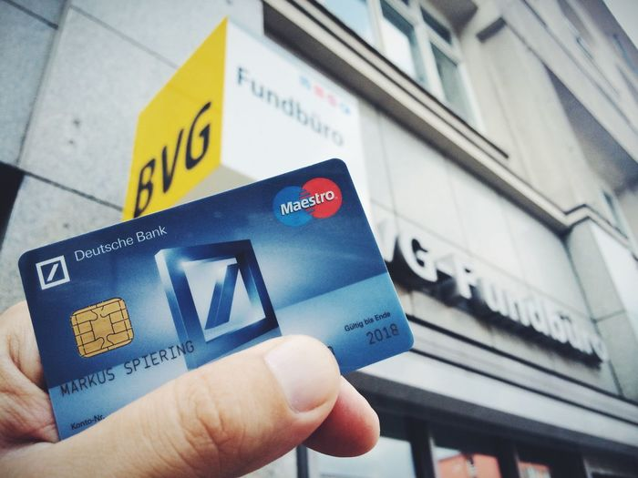Mehr Glück als Verstand... // Got my credit card back at the lost and found office after loosing it last week in a subway station