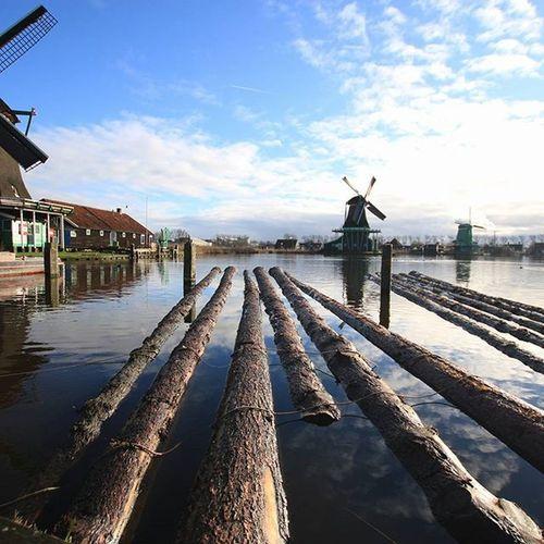 Zaanseschans Olland Olanda Windmill Photooftheday Canon Amsterdam Carpentry Sky Bluesky Igersoftheday World