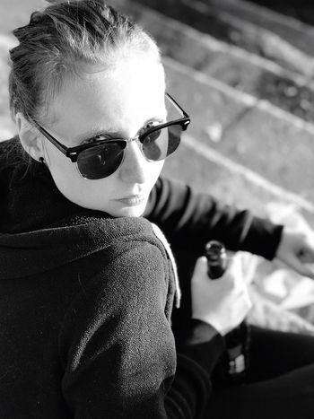 Her Stare. EyeEm Sunglasses Cool One Person Real People Portrait Young Adult People Eyeemhuman France EyeEmPortraits Black And White Friday Be. Ready.