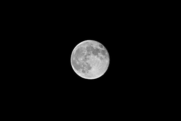 Moon Black & White Luna