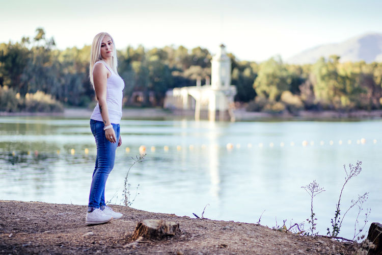 Granada Nature SPAIN Swamp Beautiful Woman Casual Clothing Focus On Foreground Hairstyle Jeans Lake Lakeshore Leisure Activity Lifestyles One Person Pantano De Cubillas Real People Standing Water Young Adult Young Women