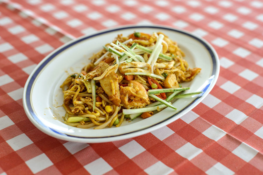 Close-up Food And Drink Freshness Fried Noodles Healthy Eating Indoors  Mee Goreng No People Noodle Plate Ready-to-eat Savory Food Serving Dish Table Tablecloth