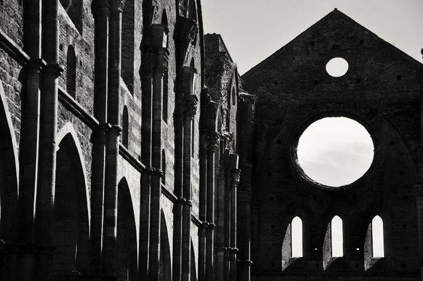 Siena Abbazia Abbey San Galgano, Toscana. First Eyeem Photo Tuscany Chiusdino King Arthur Re Artù Italy HolidayArthur Places WOW Stunning Place