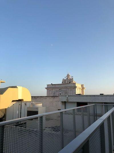 Moon Lisboa Sky