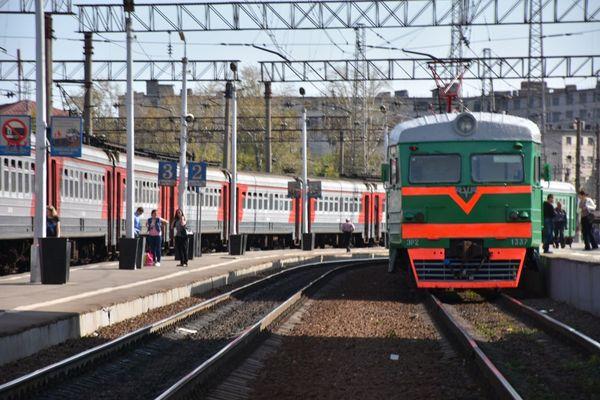 Check This Out Hello World Taking Photos Trenistasyonu Lukhovitsy Ryazan Yolcusu Pazargezmesi Train