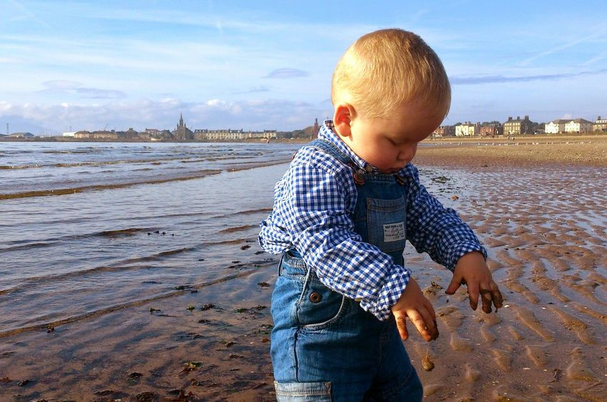 Child Males  Childhood Nature One Person People Outdoors Water Beauty In Nature Human Body Part Day Beach Scene  Beach Life Beach Time Seaside Exploring Seaside Fun Coastline Nature Water Sand And Sea Sand In My Hands Hands On Handsdirty Child Exploring Fun At The Beach Fun At Sea Scottish Beach Saltcoats The Portraitist - 2017 EyeEm Awards Live For The Story The Portraitist - 2018 EyeEm Awards