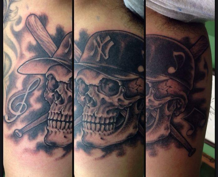 N.Y skull Tattoo Art Thunder Alley