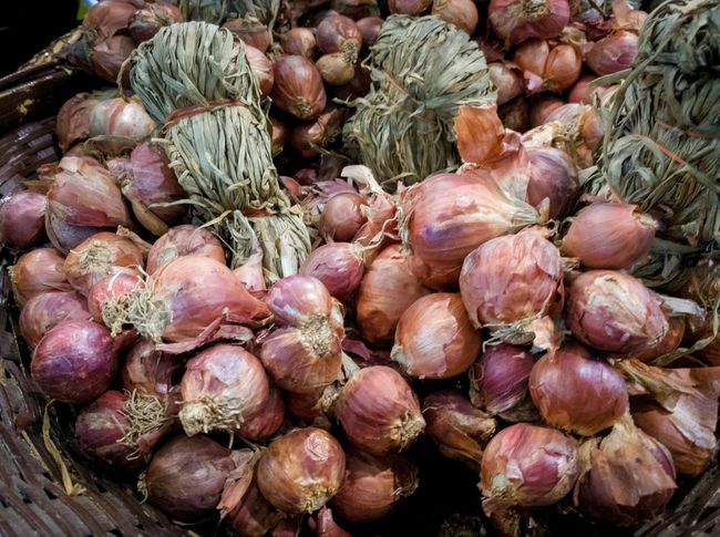 Thai red onion Herb Food Ingredient Spicy Food Red Onions Onion Thai Clove Backgrounds Full Frame Close-up Food And Drink Raw Food Prepared Food Raw Garlic Bulb Garlic Clove