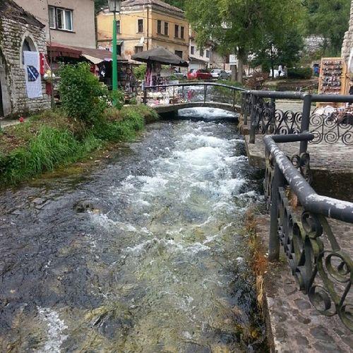 نهر بﻻفا فودا (الماء اﻷزرق) مدينة ترافنيك البوسنة_والهرسك صيف 2013 Plava Voda River Travnik city Bosnia _herzegovina summer 2013