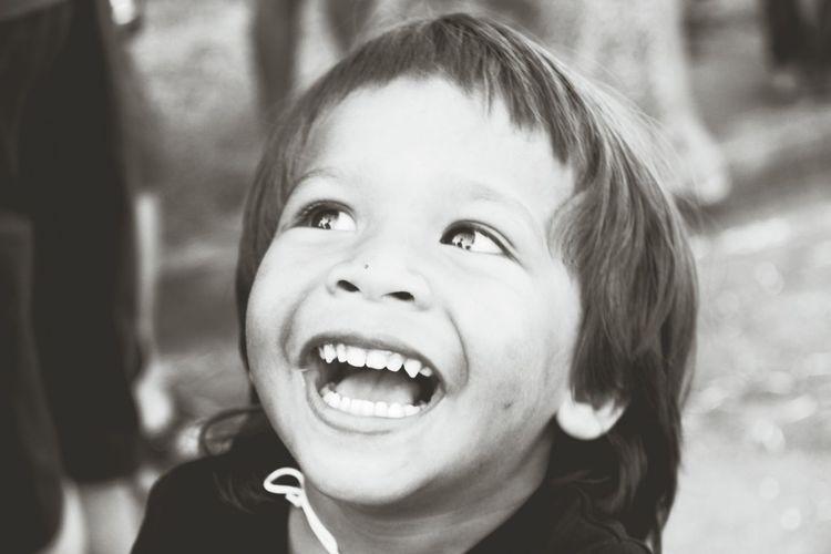 Smile Streetphotography Children Photography Streetphoto_bw Black&white Cutekids Enjoying Life Baby❤👄 B&W Portrait