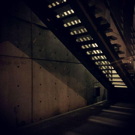 下樓。放風了 Stair Achitecture