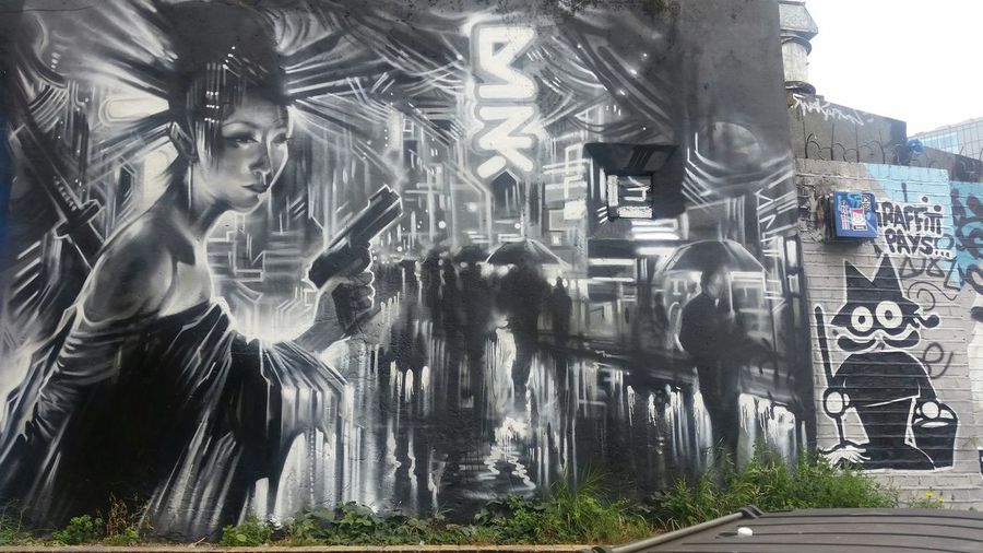 Spray Paint Different Styles Street Art Black And White Geisha Busy Street Artistic Community Art Street Artists Love Street Art