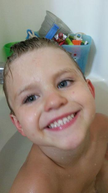 Preschooler Boys 👫 Grandkids 💙💛💜 Family 🙏🙌 Missouri Ozarks, USA 💥💖 Wet Hair Blue Eyes Smile Portrait Body Care Headshot Washing Bathroom Looking At Camera Hygiene Smiling Human Face Taking A Bath Bubble Bath Bathtub Domestic Bathroom Shampoo