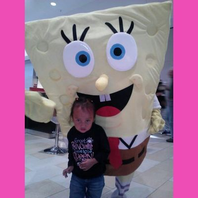 She only ran back to see Sponge Bob Squarepants 50 times ZanaBana Littlesister Spongebobsquarepants