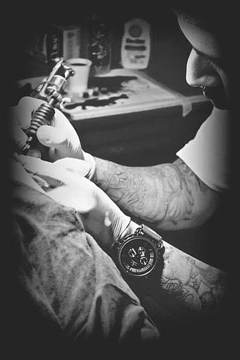 Comen Pcbm Pnsk Orangecounty  Tattoo Artist Blackandwhite Hello World California Thehomie