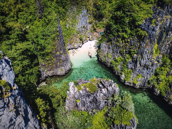 Clearwaterbeach Mountain Dronephotography Mavic Pro Thailand Magic Landscape EyeEmNewHere Longtailboat Peaceful Aerial View Paradise Bay Trees And Nature Ocean Boat Rocks Drone Photography Phi Phi Islands, Thailand Phi Phi Island @phuket Phi Phi Islands Phi Phi Island Phiphiisland Nature No People Outdoors Beauty In Nature