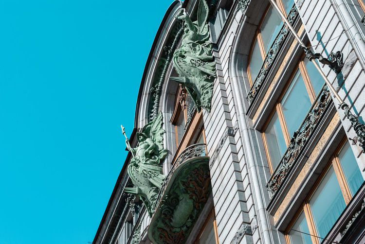 Architecture Low Angle View Built Structure Building Exterior No People Day Sky Clear Sky Nature Blue Window Building The Past History Sculpture Outdoors Human Representation City Art And Craft Statue House Singer The House Of Books
