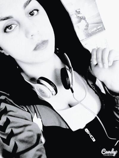 B&wportrait First Eyeem Photo Forlove Black & White Today's Hot Look Monochrome EyeEm Best Shots - Black + White Selfie ✌ Self Potrait That's Me