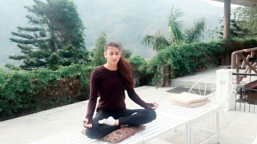Capturing Freedom Hello To Nature God Mother Explorning Trip Of Haven On Earth Beauty Redefined Nature On Your Doorstep Hello World yoga Yoga Pose Yogagirl Activity Living Life Happiness