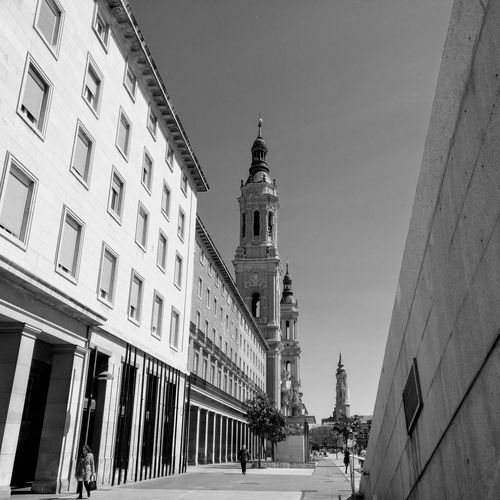 Architecture Building Exterior Built Structure Travel Destinations Day Outdoors SPAIN Bnw_worldwide Bnw_planet Bnwphotography Bnw_life Bnw_society Bnw Zaragoza Architecture_collection Architectural Feature Architectural Detail Sky Minimal Minimalism_bw Bnw_collection Low Angle View EyeEmNewHere