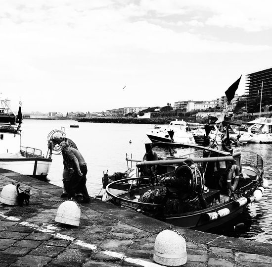 Black & White Photography Black And White Photography Harbor Provoke Camera Day Outdoors Provoke Real People Blackandwhite Photography Moored ProvokeCamera Men Sea Building Exterior Nature One Person City People Port Fishing Fishing Boat Fishing Time Fishing Boats Fishing Port Fishing Life