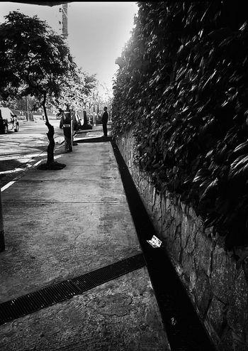 Streetphoto_bw Monoart Streetphotography Monochrome Mobliephotography B&w Street Photography