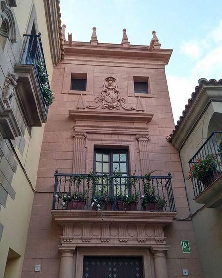 PobleEspanyol Puebloespañol Montjuic Barcelona Bcndreamers Bcnexplorers Thebarcelonist Igersbarcelona Igerscatalunya Openairmuseum Ulkomuseo Architecture Arquitectura Arkitektuuri Façade Fachada Fasadi