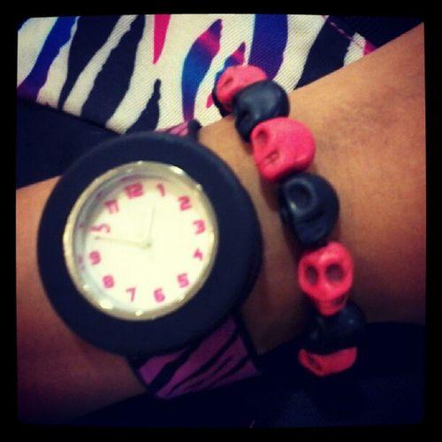 Pink and black skull bracelet :) match na match sa watch, bag and skate shoes ko :) thankyou @onlinevarietyshop :) buy na din kayo :) follow @onlinevarietyshop Instapic Pinkblack Skullbracelet
