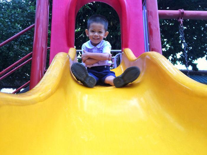 Kid play slide