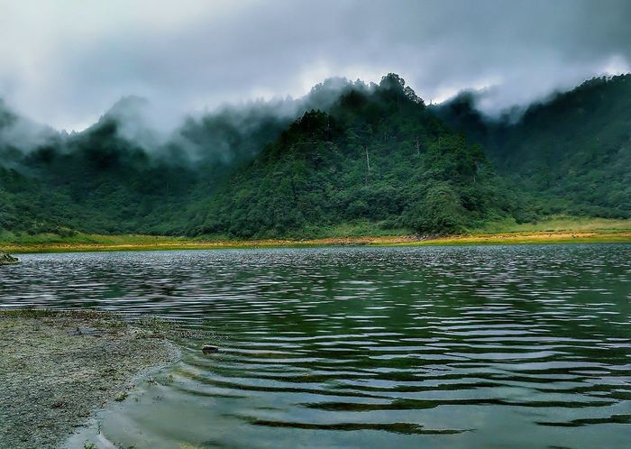 Water Mountain Lake Cloud - Sky No People Landscape Outdoors Nature Pinaceae Tree Rural Scene Scenics Day Beauty In Nature Hot Spring Sky