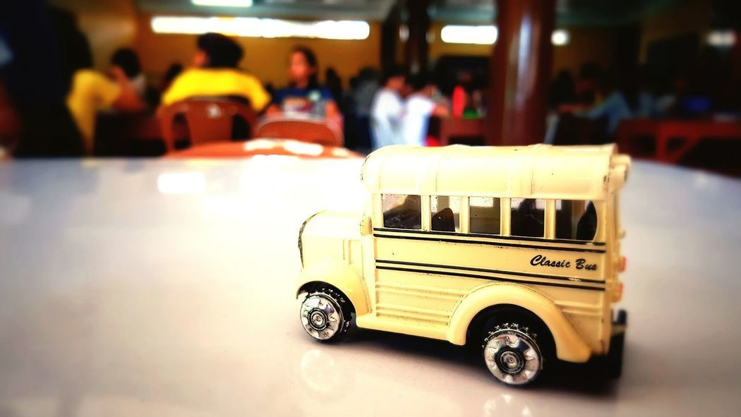 Classic City Car Land Vehicle Close-up Toy Car Bus Toy School Bus