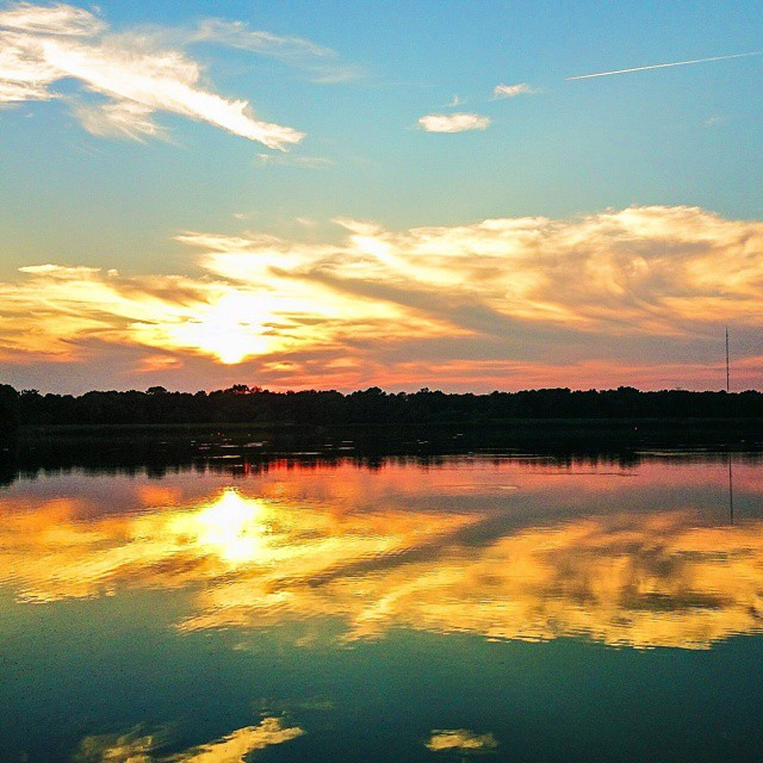 sunset, reflection, water, lake, tranquil scene, scenics, tranquility, sky, beauty in nature, orange color, waterfront, idyllic, silhouette, cloud - sky, nature, standing water, cloud, calm, river, outdoors