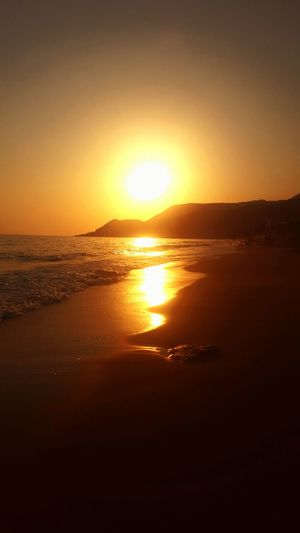 Simplicity Light And Shadow Nature Beauty In Nature No People Sun Sunset Beach Sunset On Beach Sunset On Water Golden Seaside Sea Sand Waves Ocean Waves Golden Glow Beautiful Calm Calming Turkey Alanya Alanya/Turkey Alanya Kleopatra Beach