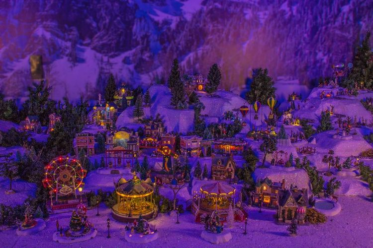 Navidad Família PequeñosMomentos Mininavidad Malldelsur Navidad Eyen MerryChristmas Blancanavidad Purple Night Illuminated No People Outdoors Tree Perfume