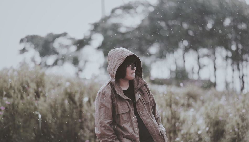 EyeEm Selects Winter Clothing Warm Clothing Cold Temperature Snowing One Person