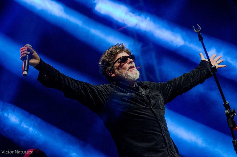 Show dos Titãs no Planeta Rock 2016 Rock Rockmusic Titãs Brancomello Victornatureza Vitaonatureza One Man Only Arms Raised One Person Human Arm Singer  Performance