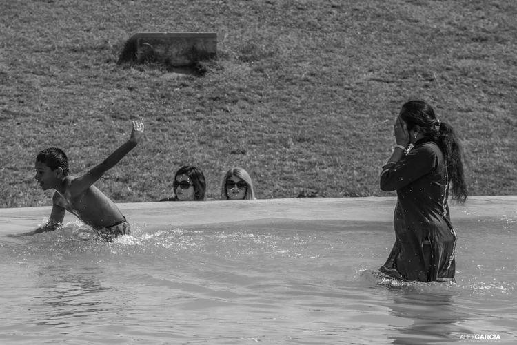 The Human Condition Friends ❤ People La Tour Effel Trocadero Relaxing Paris.fr Water Paris, France  Blackandwhite Photography