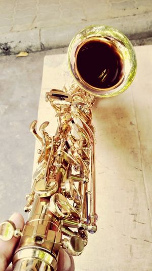 Saxophone Wind Instrument Jazz Music Musical Instrument Music Gold Colored Arts Culture And Entertainment Trumpet Close-up Brass Brass Instrument  Blues Music Bronze - Alloy Sombrero Woodwind Instrument Clockworks Drum Bass Guitar