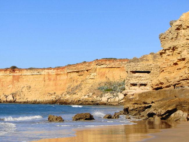 Atardecer Bunker Dia Gaviotas  Rocas Y Mar Surf School Draga Playa Tarde