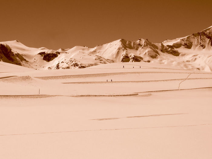 Mrandmrsdyba Berge France Alpes Mountain View Schnee Schneelandschaft Snow ❄ Französische Alpen Sepia Snowcapped Mountain Berge France Alpes Mountain View Schnee Schneelandschaft Snow ❄ Französische Alpen Sepia Snowcapped Mountain