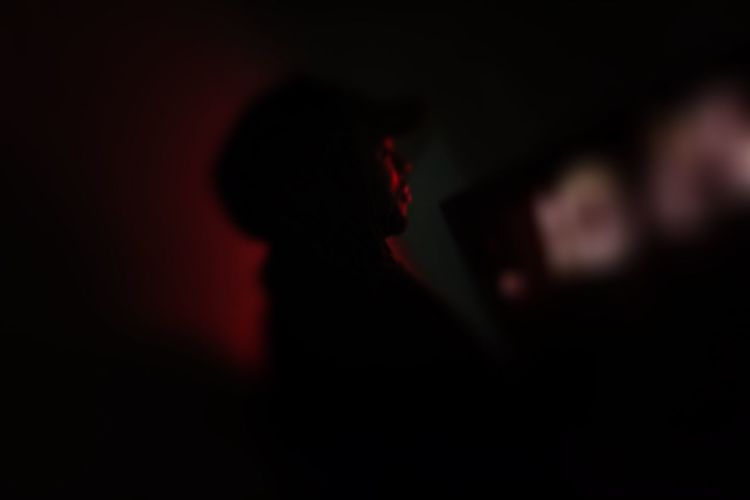 Fading into time Silhouette Emotion One Person Dark Sadness Side View Child Defocused Childhood Men Offspring Waist Up Shadow Portrait Social Issues Indoors  Night Depression - Sadness Red Adult The Photojournalist - 2018 EyeEm Awards