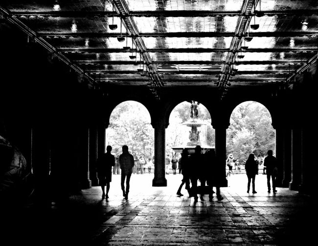 """""""Feel It All Around"""" by edemirbarrosfotografi Central Park Abstractarchitecture First Eyeem Photo EyeEm Black&white! Newyorkcity Streetphotography Nycprimeshot Ilovephotography Futuristic Darkness And Light Eye4photography  I Love Art Unique EyeEmBestPics ArtWork My Vision Artwork Abstract Production My View NYC Street Photography Buildinglovers My View This Morning.. Eyem Gallery Monochrome Light And Shadow"""