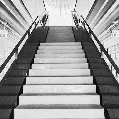 Mobilephotography EyeEm Best Shots Architecture_bw Black & White Stairs Shades Of Grey