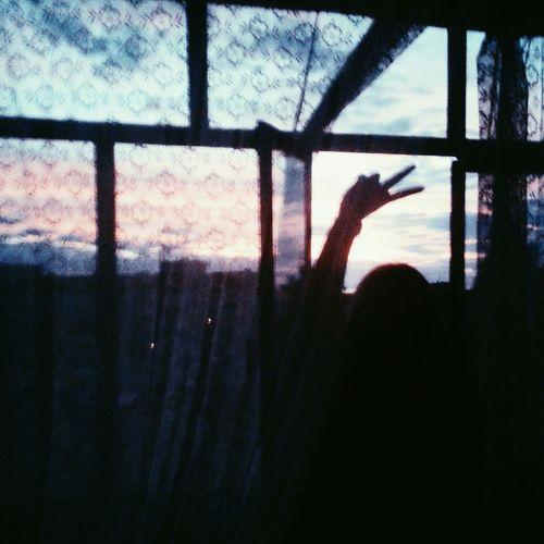 балкон окна я рука пальцы тюль однадома никак