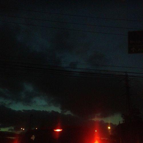 Pega essa nuvem, parece a fumaça do lost Céupreto Marginalparada Ava Natirutsnosom verbalize lost nuvem