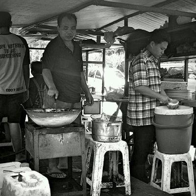 Street food. Jakarta Sesuatu Bw