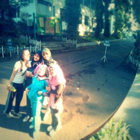 Galauers Sundaymorning Botanicalgarden Jogging nokialumia800 bogor @nadyadeandra