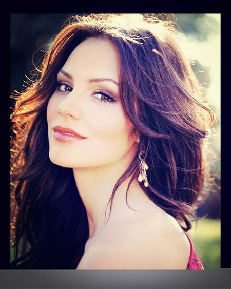 Day 17: Katharine McPhee. She's fabulous. She inspires me to sing more. She auditioned for American idol in San Fran and now is the star on smash and amazing ♥
