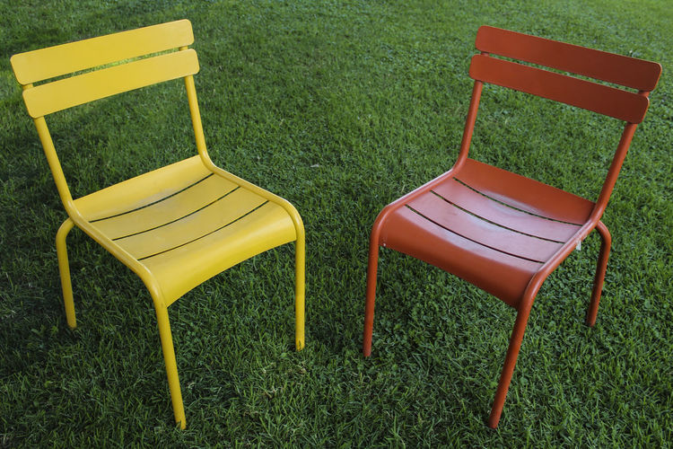 Composición Simétrica #orange Color @RRebolledo Chair Day Grass Green Color Nature No People Outdoors Seat Yellow